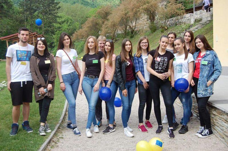 Omladinski klub